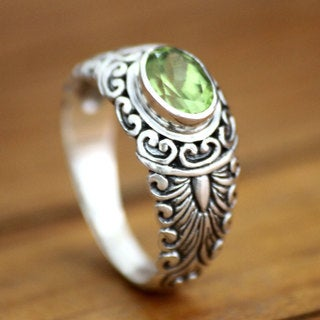 Handcrafted Sterling Silver 'Bali Heritage' Peridot Ring (Indonesia)