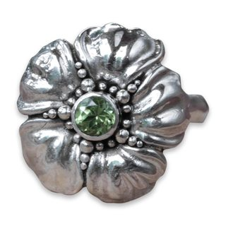 Handcrafted Sterling Silver 'Hibiscus' Peridot Ring (Indonesia)