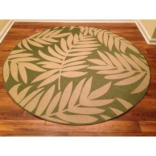 Woven Floral Green/ Beige Indoor/ Outdoor Rug (6'7 Round)