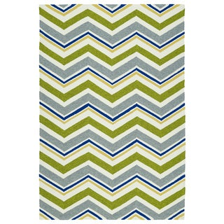 Handmade Indoor/ Outdoor Getaway Green Chevron Rug (9' x 12')