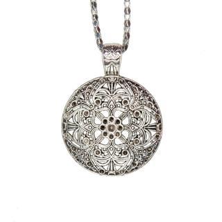 Handmade Tibetan Silver Big Round Filigreed Necklace (China)