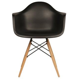 Retro Eames Style Molded Plastic Wood Eiffel Legs Black Armchair (China)