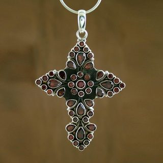 Handcrafted Sterling Silver 'Deep Red Faith' Garnet Necklace (India)