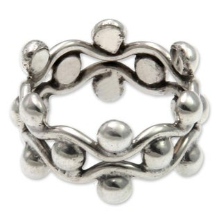 Handcrafted Sterling Silver 'Floral Buds' Ring (Indonesia)