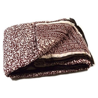 Chain Pattern Brown King-sized Quilt (India)