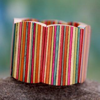Handcrafted Indian Elm Wood 'Holi Colors' Bracelet (India)