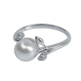Sterling Silver 'Budding Beauty' Pearl Ring (7 mm) (Thailand)