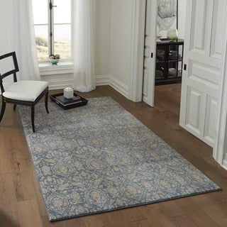 "Brighton Delicate Floral Machine-Made Rug (5'3""x7'6"")"
