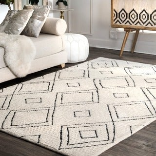 nuLOOM Handmade Moroccan Diamond Trellis Wool Natural Rug (8'6 x 11'6)