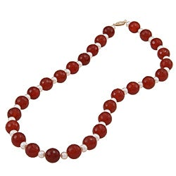 DaVonna 14k Gold Red Agate and White FW Pearl Necklace (10 mm, 4-5 mm)