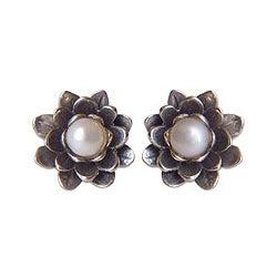 Sterling Silver 'White-eyed Lotus' Pearl Earrings (5 mm) (Indonesia)
