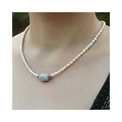 Pearl and Jade 'Touch of Life' Necklace (Thailand)