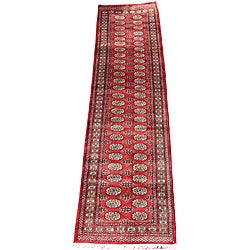 Pakistani Hand-knotted Red/ Ivory Bokhara Wool Runner (2'7 x 12')