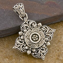 Handmade Silver 'Floral' Pendant (Indonesia)