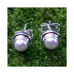 Sterling Silver Pearl 'White Moon' Stud Earrings (Indonesia)