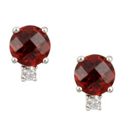 Kabella 14k White Gold Garnet and 1/10ct TDW Diamond Stud Earrings