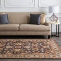 Traditional Hand-Tufted Coliseum Wool Rug (8' x 11')