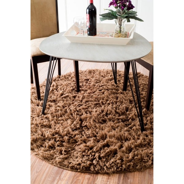 nuLOOM Hand-woven Alexa Flokati Wool Shag Rug (5' Round)
