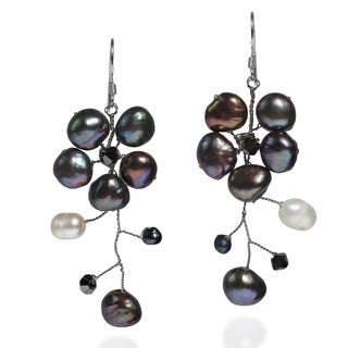 Sterling Silver Dreamy Nature Black Pearl Flower Earrings (Thailand)