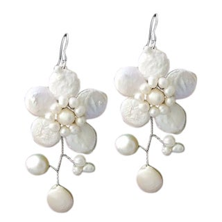 Sterling Silver 'Lace Sakura' White Pearl Flower Earrings (Thailand)