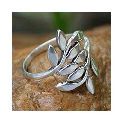 Sterling Silver 'Olive Branch' Wrap Ring (Thailand)