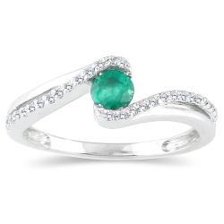 10k White Gold Emerald and 1/6ct TDW Diamond Ring (H-I, I1-I2)