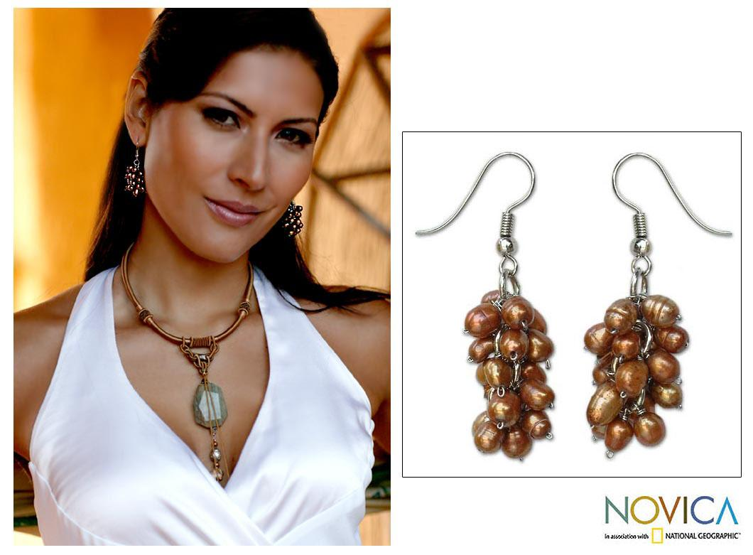 'Ginger Grapes' Freshwater Ginger Pearl Earrings (4 mm) (Thailand)