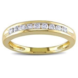 Miadora 10k Yellow Gold 1/4ct TDW Diamond Wedding Band (G-H, I2-I3)