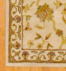Indo Hand-tufted Ivory/ Gold Floral Wool Rug (4' x 6')