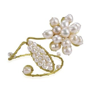 Goldtone Brass Pearl Swirl Bracelet/ Arm Cuff (4-12 mm) (Thailand)