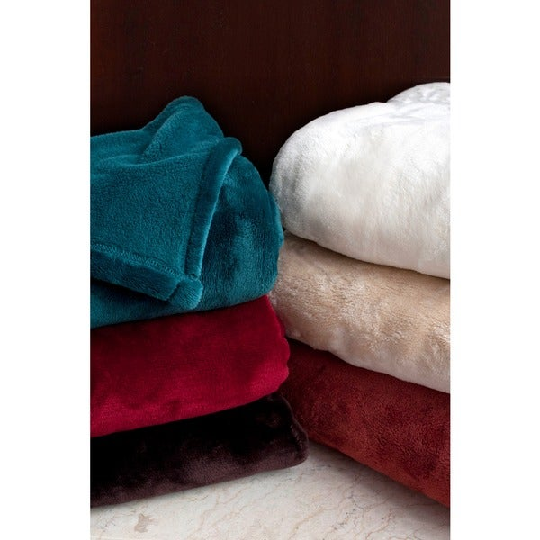 Bobbie Oversized Microplush Throw