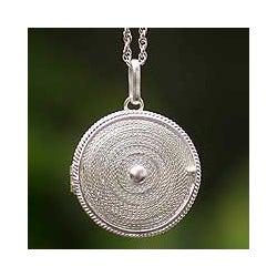 Sterling Silver 'Precious Secret' Filigree Necklace (Peru)