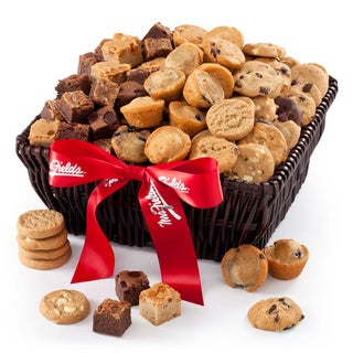 Mrs. Fields Mini Muffins Brownie Bites and Nibblers Basket (108 count)