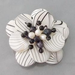 Zebra Stripe Natural Mother of Pearl and Pearl Floral Brooch (4-10 mm)(Thailand)