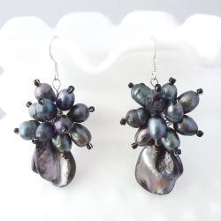 Black Mother of Pearl and Pearl Flower Earrings (3-7 mm)(Thailand)