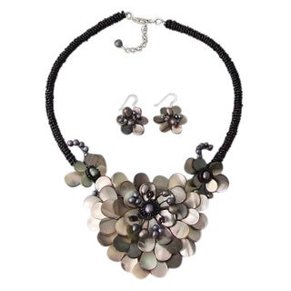 Sterling Silver Mother of Pearl and Pearl Floral Jewelry Set (4-10 mm)(Thailand)
