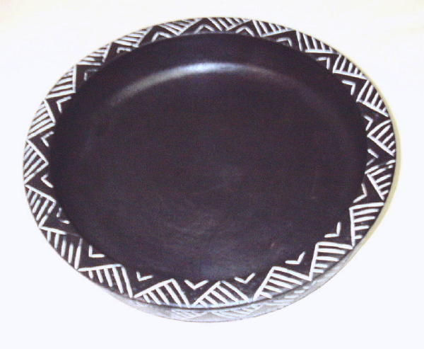 Hand-crafted African Accent Sesse Wood Decorative Fruit Bowl (Ghana)