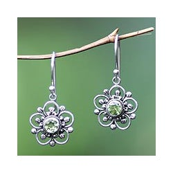 Sterling Silver 'Nature's Gift' Peridot Flower Earrings (Indonesia)