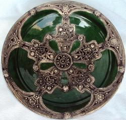 Majestique Ceramic-and-Metal Decorative Plate in Green (Morocco)