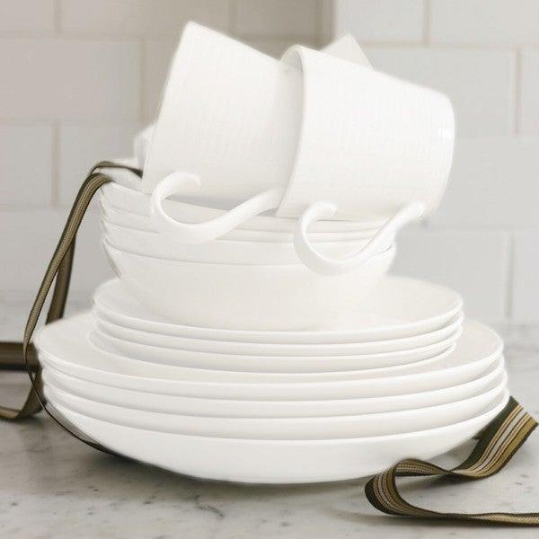Gordon Ramsay by Royal Doulton Maze White 16-piece Dinnerware Set