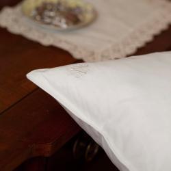 Jessica McClintock White Goose Feather Pillows (Set of 2)