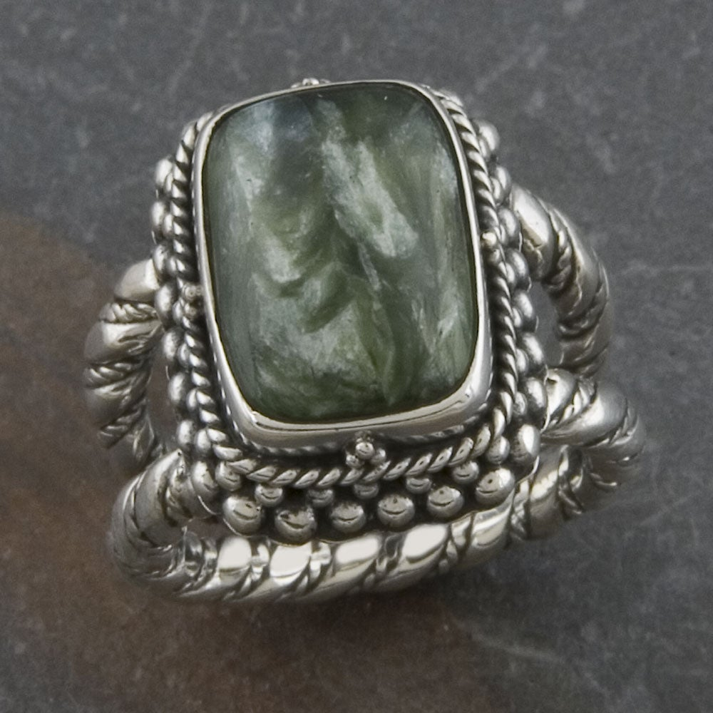 Sterling Silver Square Cabochon Serpentine 'Cawi' Ring (Indonesia)