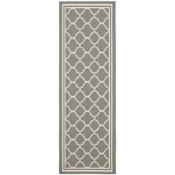 """Safavieh Dark Grey/ Beige Indoor Outdoor Geometric Rug (2' 4"""" x 6' 7"""")"""