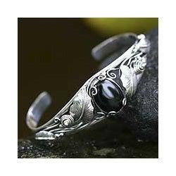 Sterling Silver 'Black Lily' Onyx Bracelet (Indonesia)
