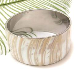 Alluring Ivory Waves Natural Shell Handmade Bracelet (Philippines)