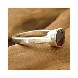 Sterling Silver 'Scarlet Muse' Garnet Solitaire Ring (India)