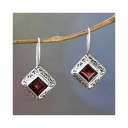 Sterling Silver 'Ubud Goddess' Garnet Earrings (Indonesia)