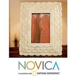 Handcrafted Bone 'Lotus Blossom' Photo Frame (India)