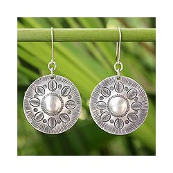 Sterling Silver Handcrafted 'Summer Leaves' Earrings (Thailand)