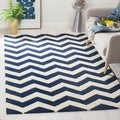 Handmade Chevron Dark Blue/ Ivory Wool Rug (8&#39; x 10&#39;)
